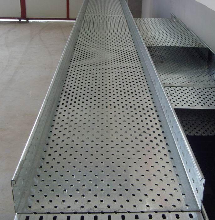 大跨距托盘式桥架